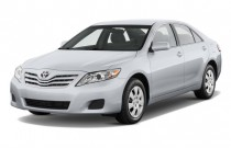 2011 Toyota Camry 4-door Sedan V6 Auto LE (Natl) Angular Front Exterior View