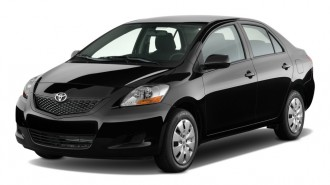 2011 Toyota Yaris 4-door Sedan Auto (GS) Angular Front Exterior View