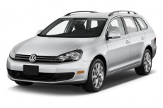 2011 Volkswagen Jetta Sportwagen 4-door DSG TDI Angular Front Exterior View
