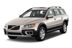 2011 Volvo XC70 4-door Wagon 3.2L AWD Angular Front Exterior View
