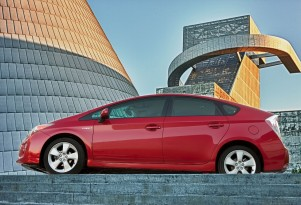 Low Gas Prices Won't Affect Loyal Owners As 2016 Toyota Prius Hybrid Looms