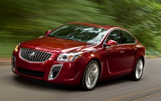 2013 Buick Regal: 36-MPG eAssist System Comes Standard