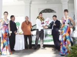 2012 Hawaiian Teacher of the Year Gets Free Mitsubishi I