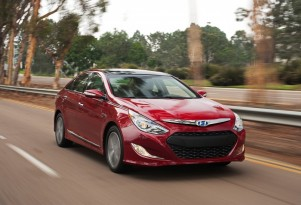 2012 Hyundai Sonata Hybrid: Newest Competitor For Camry, Fusion Hybrids