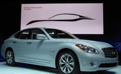 2012 Infiniti M Photos