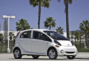 NHTSA To Mandate Pedestrian Alert Tones For Hybrid, Electric Cars