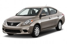2012 Nissan Versa 4-door Sedan CVT 1.6 SV Angular Front Exterior View