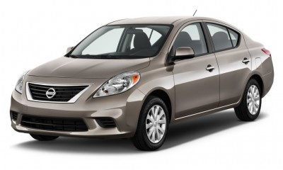 2012 Nissan Versa Photos