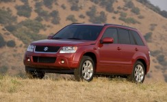 2012 Suzuki Grand Vitara Photos