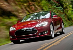 2012 Tesla Model S Shows Up On eBay, Will Owner Profit?