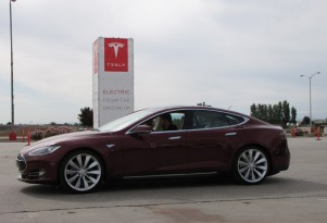 Want To Trade Your Tesla Roadster In For A 2012 Model S? Now You Can