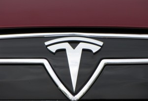 Tesla granted patent on metal-air battery charging