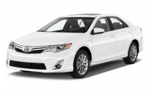 2012 Toyota Camry Hybrid 4-door Sedan XLE (Natl) Angular Front Exterior View