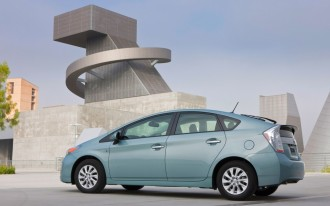 Toyota Prius, Prius Plug-In, Lexus CT 200h recalled for airbag problems: 482,000 vehicles affected