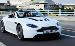 2013 Aston Martin V12 Vantage Photos