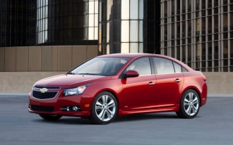 2013 Chevrolet Cruze Gets MyLink Infotainment, Active-Safety Options