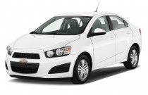 2013 Chevrolet Sonic 4-door Sedan Auto LT Angular Front Exterior View