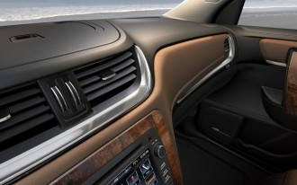 2013 Chevrolet Traverse Teased: 2012 New York Auto Show