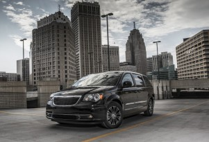 2013 Chrysler Town &amp; Country S Preview: 2013 LA Auto Show