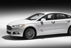 2013 Ford Fusion Energi Earns NHTSA Five-Star Safety Rating