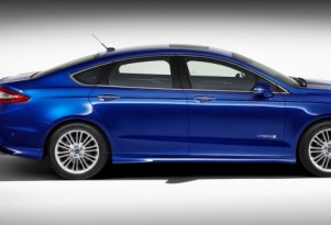 Gas Mileage Battle Ahead For Ford Fusion, Camry Hybrid