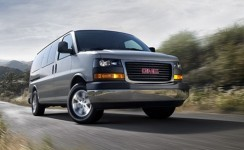 2013 GMC Savana Passenger Photos