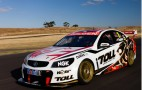 VF Holden Commodore V8 Supercars Race Car Revealed: Video