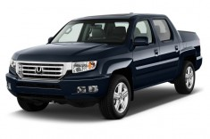 2013 Honda Ridgeline 4WD Crew Cab RTL Angular Front Exterior View