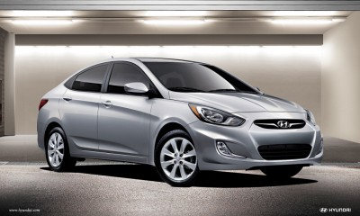 2013 Hyundai Accent Photos