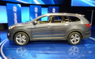 2013 Hyundai Santa Fe: LA Auto Show Live Shots
