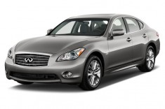 2013 Infiniti M35h 4-door Sedan RWD Hybrid Angular Front Exterior View