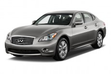 2013 Infiniti M37 4-door Sedan RWD Angular Front Exterior View