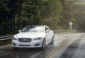 Toyota Prius, 2013 Jaguar XK, 2013 SRT Viper Launch Edition: Car News Headlines