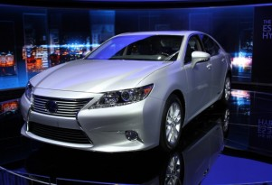 2013 Lexus ES 300h Live Photos: 2012 New York Auto Show