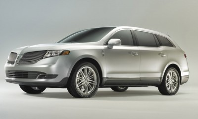2013 Lincoln MKT Photos