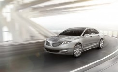 2013 Lincoln MKZ Photos