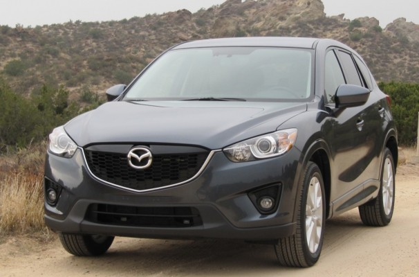 2013 mazda cx 5 kicks compact crossover gas mileage higher. Black Bedroom Furniture Sets. Home Design Ideas