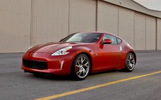 2013 Cadillac ATS Reviewed, 2012 Chrysler 300 Video Road Test: Car News Headlines