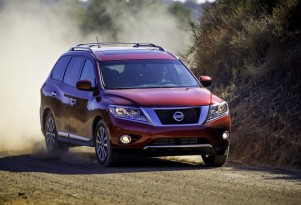2013 Nissan Pathfinder, Spyker Sues GM, 2012 Tesla Model S: Car News Headlines