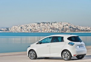 Renault UK Offers Free Charging Stations With Zoe Electric Car