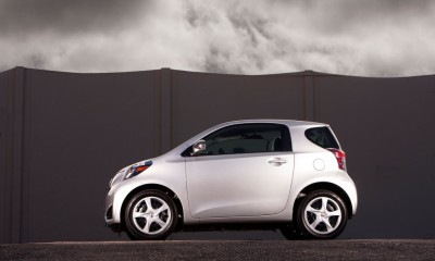 2013 Scion iQ Photos