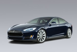 Tesla Model S Performance: Fastest Electric Car (Video)