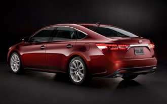 Hyundai Elantra Coupe And GT Driven, 2013 Avalon Hybrid: Today's Car News