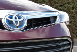 2013 Toyota Avalon Hybrid: First Drive Report