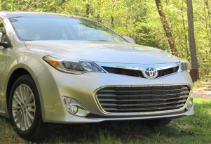 2013 Toyota Avalon Hybrid: Gas Mileage Drive Report