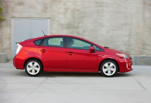 Toyota Prius Vs. Ford C-Max Hybrid: Pros And Cons