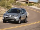 2013 Toyota RAV4 FWD 4-Door LE (GS)