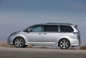 2013 Toyota Sienna To Drop Four-Cylinder Model