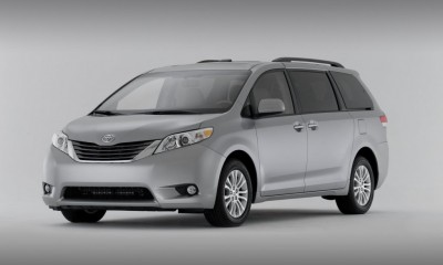 2013 Toyota Sienna Photos