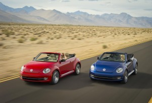 2013 Volkswagen Beetle Convertible Unveiled, TDI Diesel Included